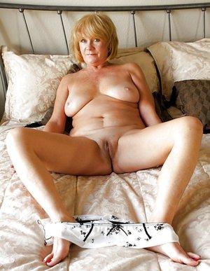Pics porn granny Nude Grannies,